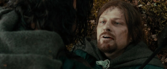 """Boromir (Sean Bean) dies a hero in """"The Lord of the Rings: The Fellowship of the Ring"""" (2001)"""